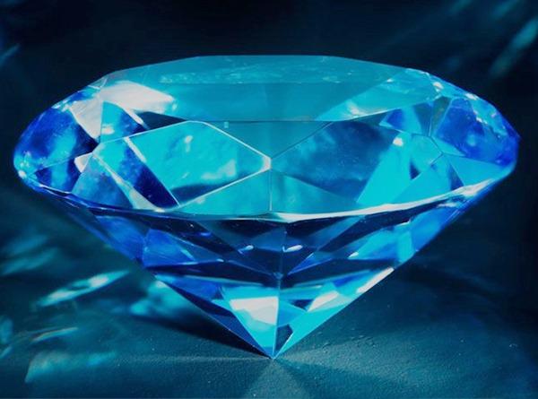 diamante azul fluorescencia